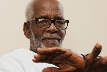 Morre o coreógrafo e percussionista Mestre King aos 74 anos