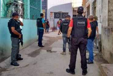 Dois homens são assassinados a tiros no Arenoso