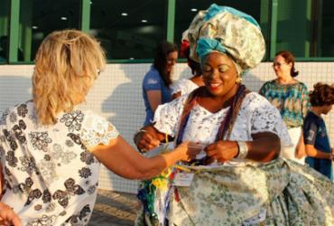 Turistas são recebidos com festa no Porto de Salvador