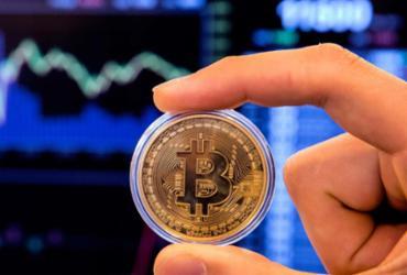 Moeda virtual Bitcoin cai abaixo de US$ 10 mil e assusta investidor