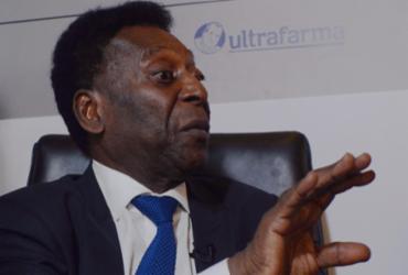 Pelé cancela viagem para Londres e associação fala em internação