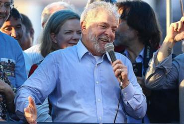 Em ato político em Porto Alegre, Lula eleva tom de enfrentamento