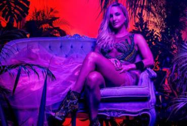 Claudia Leitte lança single 'Carnaval' com participação de Pitbull   Darren Craig   Divulgação