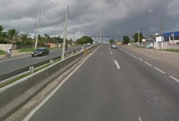 Carreta tomba na BR 324 e deixa motorista ferido | Reprodução | Google Street View