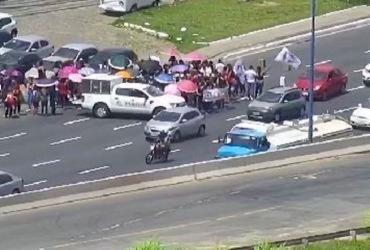 Protesto de trabalhadores congestiona avenida ACM | Divulgação | Transalvador