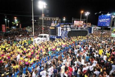 Crise deixa circuito Barra-Ondina sem desfile de blocos por dois dias | Carlos Casaes l Ag. A TARDE l 8.2.2002
