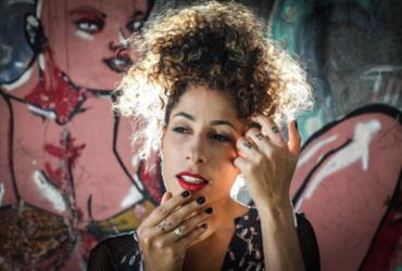 Márcia Castro faz discotecagem no 8º Cortejo do Forte