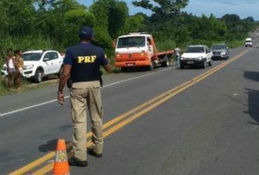Acidente entre dois carros e uma moto deixa três feridos na BR-101 | Divulgação | PRF