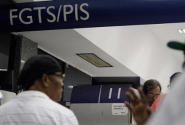 Começa nesta quinta pagamento de PIS para nascidos em março e abril | Raul Spinassé l Ag. A TARDE