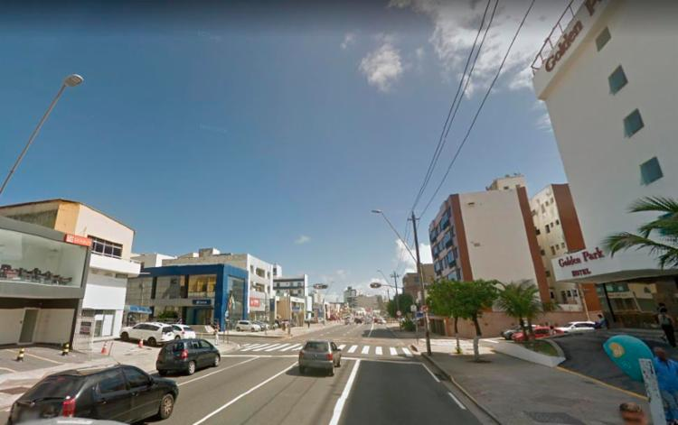O acidente aconteceu no cruzamento da avenida Manoel Dias com a rua Guanabara, no bairro da Pituba - Foto: Reprodução | Google Street View