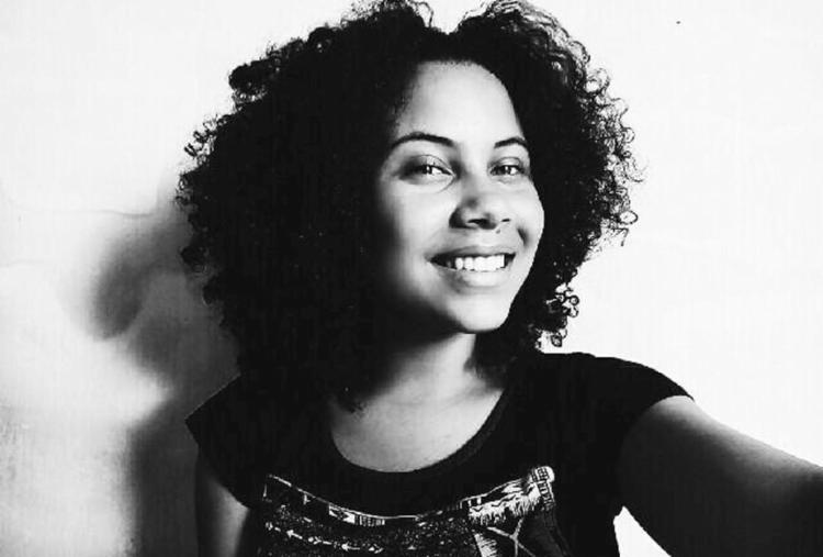 Fabíola Rocha Pereira foi premiada como melhor atriz, na categoria Ensino Médio - Foto: Arquivo Pessoal