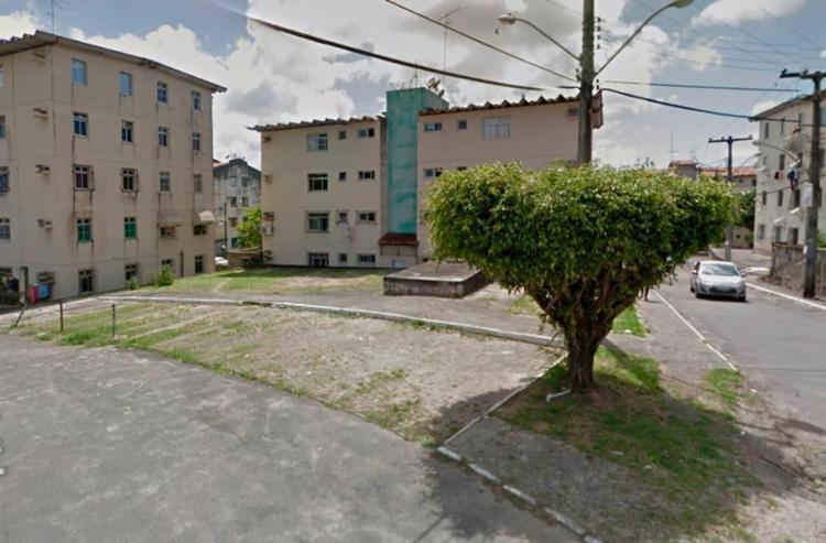 Vítima foi executada a tiros por dois homens em uma moto - Foto: Reprodução | Google Maps