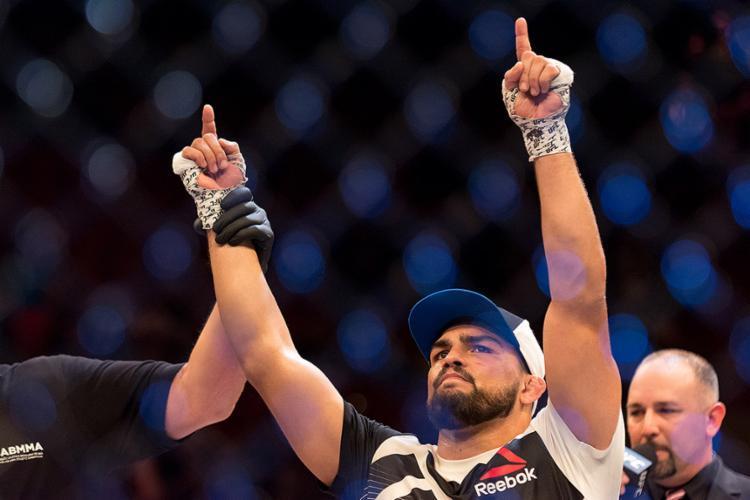 Ex-campeão dos médios e um dos maiores ídolos do UFC, Fenômeno confirma que irá se aposentar - Foto: Reginato l Fotoarena l Estadão Conteúdo