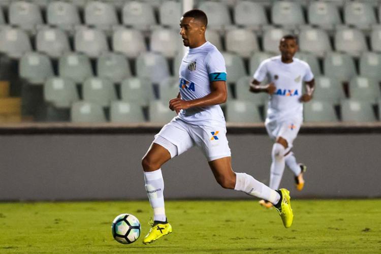 Volante Gregore atuou em 2017 pelo Santos B e deve fechar com o Bahia até o fim do ano - Foto: Santos FC l Divulgação