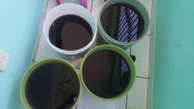 Água com cor escura preocupa moradores - Foto: Isis Lopes l Divulgação