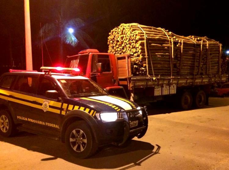 Policiais encontraram irregularidades no documento da mercadoria - Foto: Divulgação | PRF