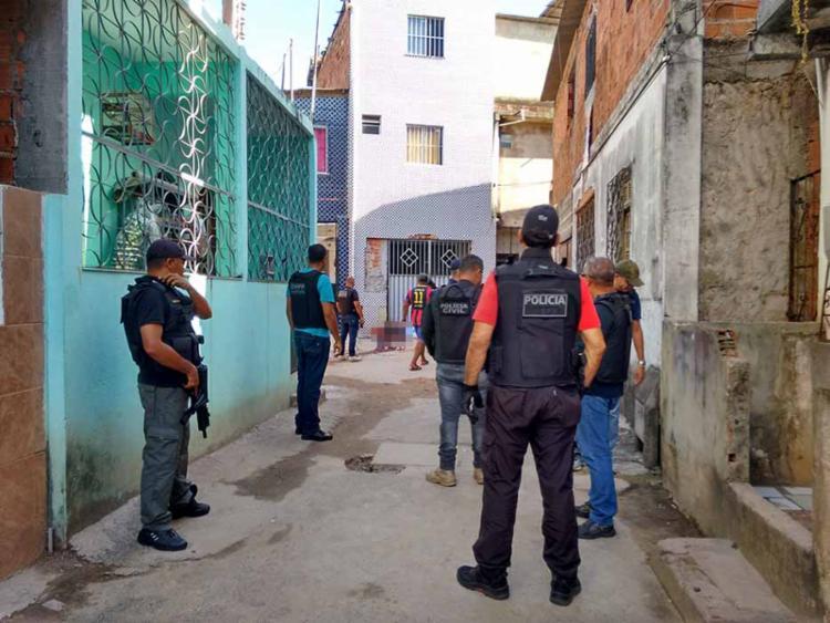 Amigos foram executados antes de deixarem as imediações da residência - Foto: Euzeni Daltro | Ag. A TARDE