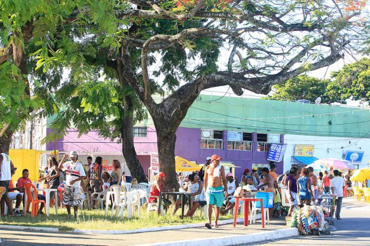 O visível esvaziamento da festa trouxe preocupação para barraqueiros - Foto: Mila Cordeiro l Ag. A TARDE