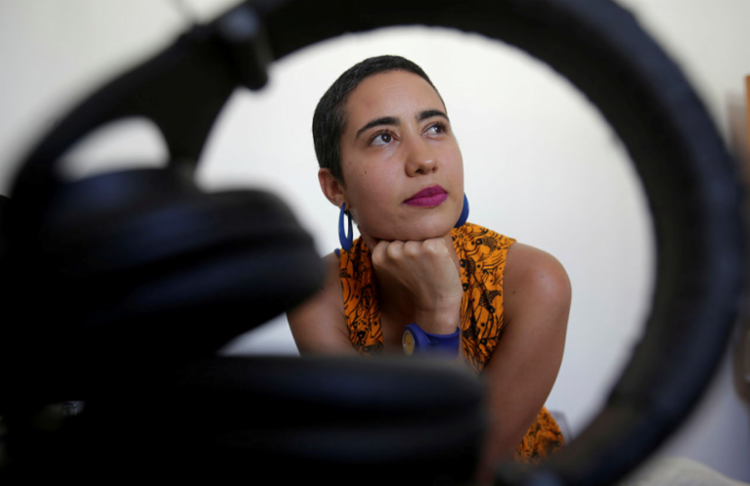 Neila Kadhí, ex-Chita Fina, está lançando seu primeiro EP, Sou Daqui - Foto: Adilton Venegeroles / Ag. A TARDE