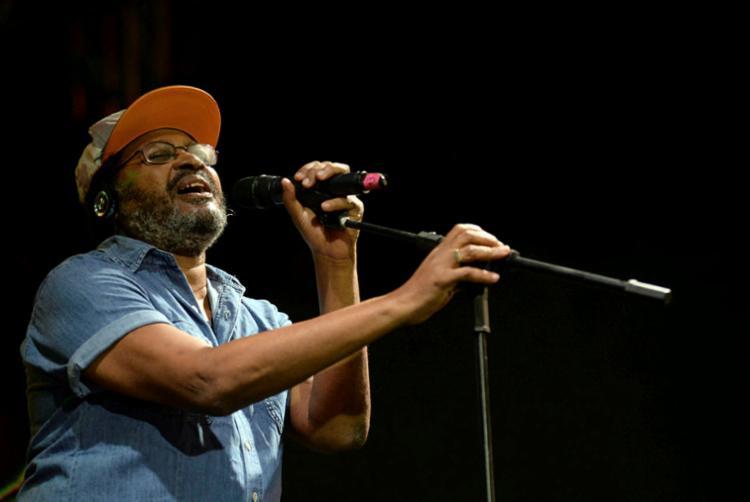 Cantor leva canções que marcaram seus 35 anos de carreira - Foto: Angelo Pontes | Divulgação