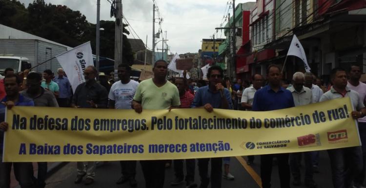 Protesto saiu da Baixa dos Sapateiros e seguiu até a prefeitura - Foto: Divulgação | Sindicato dos Comerciários de Salvador