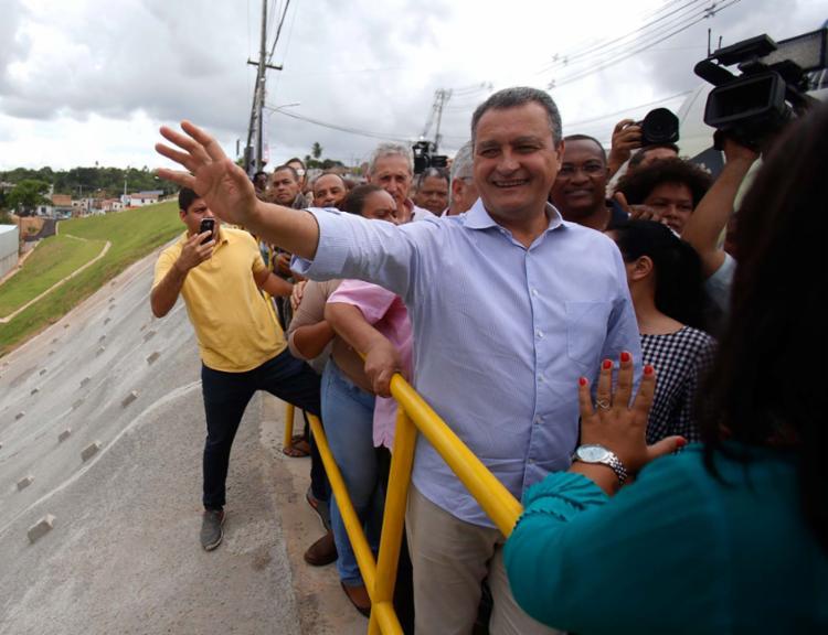 Governador pode acomodar mais indicados do PR e PSB em sua administração - Foto: Raul Spinassé | Ag. A TARDE | 15.11.2017