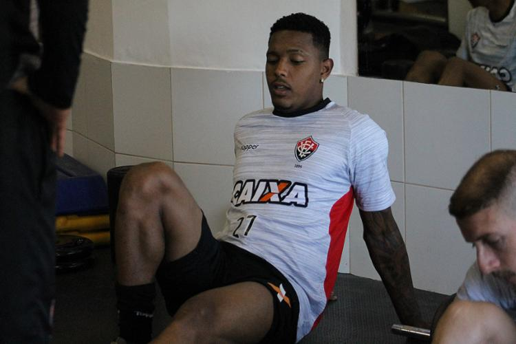 David lesionou a coxa na partida contra a Ponte Preta, em 2017 - Foto: Maurícia da Matta l EC Vitória l Divulgação