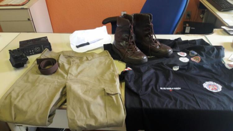 Danilo Almeida Paixão, 28 anos, disse na delegacia que o uniforme foi dado por um policial aposentado - Foto: Divulgação | Polícia Civil