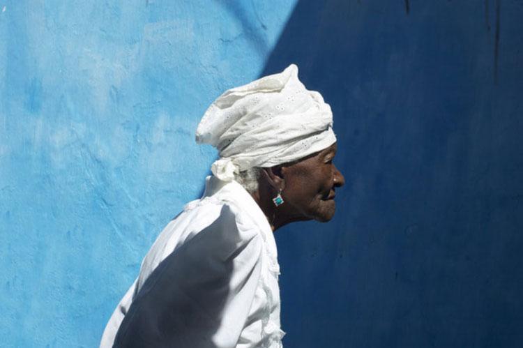 Mãe Filhinha de Iemanjá, falecida em 2014, é uma das participantes do documentário - Foto: Gerald Lee Hoffman | Divulgação