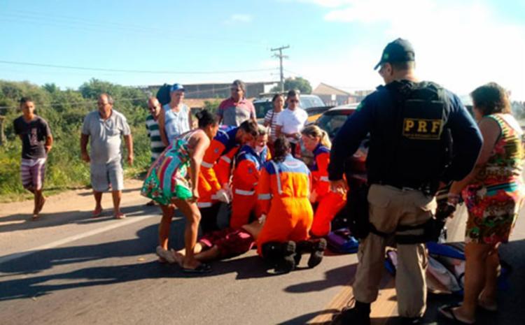 Vítima chegou a receber atendimento de socorristas da ViaBahia - Foto: Reprodução   Blog Rodrigo Ferraz