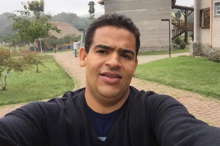Márcio foi morto em casa na frente do filho - Foto: Reprodução   Facebook