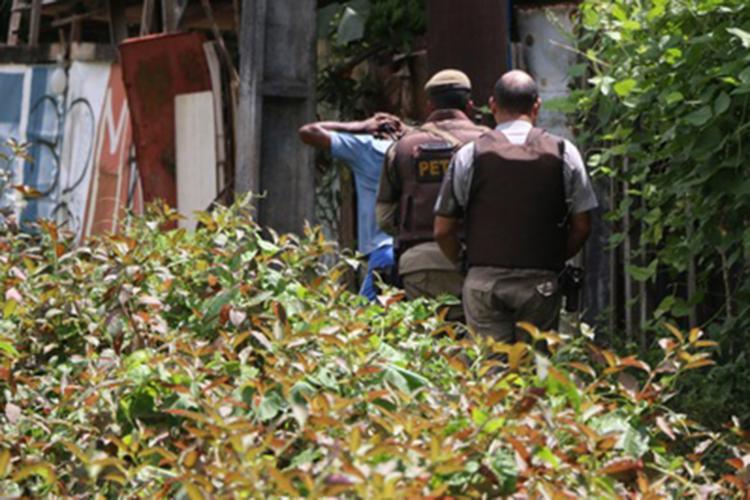 Equipes do Pelotão Especial Tático Ostensivo ajudam nas diligências - Foto: Alberto Maraux | SSP