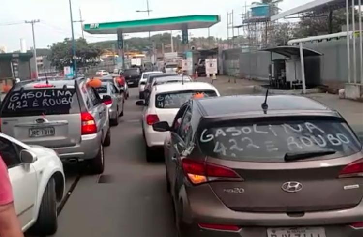 Motoristas protestam por conta do aumento do preço da gasolina - Foto: Cidadão Repórter | via Whatsapp