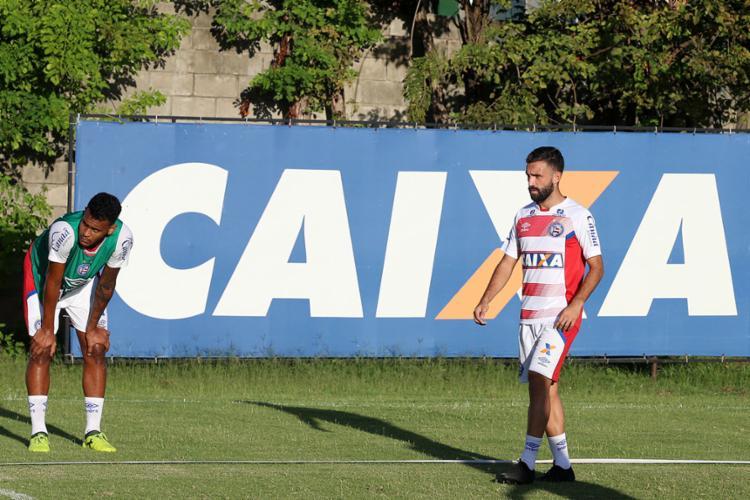 Argentino (à dir.) já está apto para a partida do sábado, 27, contra o Flu de Feira - Foto: Felipe Oliveira | EC Bahia