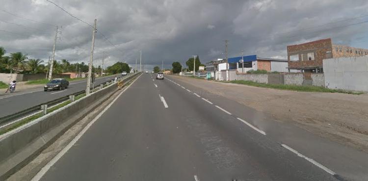 Faixa direita da BR chegou a ser bloqueada - Foto: Reprodução   Google Street View