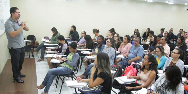 Especialistas orientam que candidatos foquem no estudo - Foto: Luciano da Matta | Ag. A TARDE | 20.06.2017