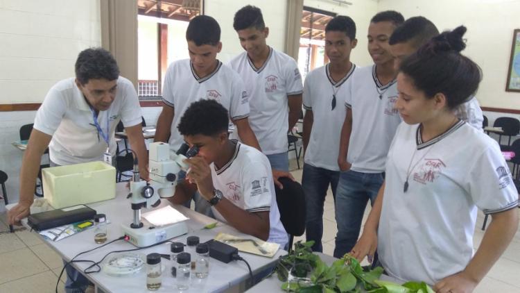 Jovens apoiados pelo projeto Biodiverso participam de capacitação para o controle de pragas na agricultura - Foto: Divulgação