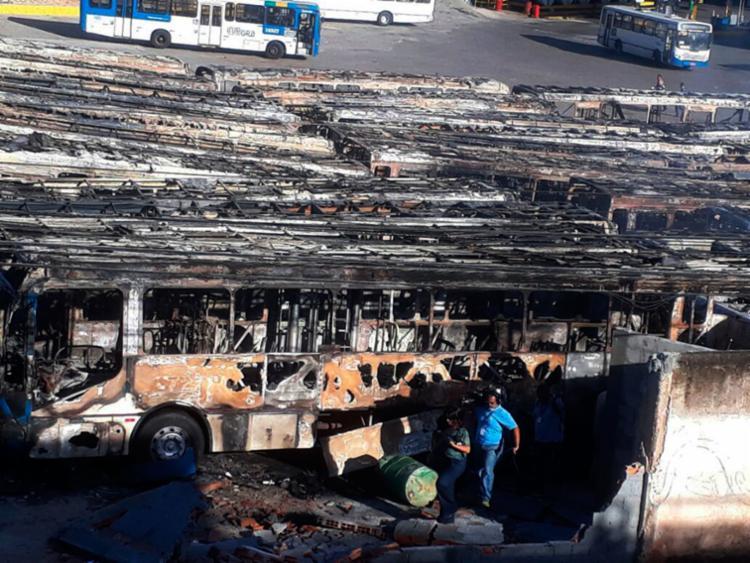 Incêndio que atingiu a garagem será investigado - Foto: Divulgação | Sindicato dos Rodoviários