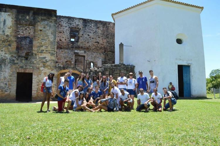 Os estudantes visitaram a Reserva Sapiranga, o Castelo Garcia D'Ávila e o Projeto Tamar - Foto: Divulgação