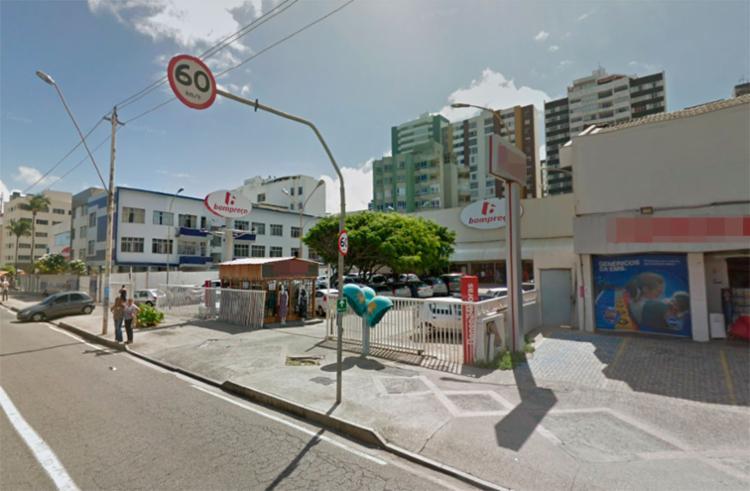 Bombeiros usaram o extintor do supermercado para apagar o fogo - Foto: Reprodução | Google Maps