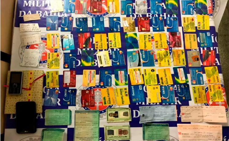 Suspeito teria conseguido os cartões por meio de vítimas de agiotagem - Foto: Divulgação | Polícia Civil