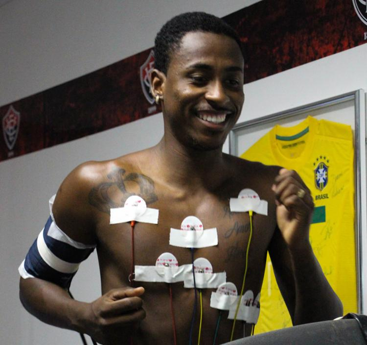 Atleta já concluiu os exames médicos e está à disposição da comissão técnica - Foto: Maurícia da Matta | EC Vitória
