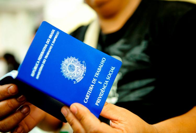 O SineBahia oferece vagas de emprego para esta segunda-feira, 8/1 - Foto: Divulgação