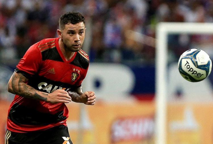 Mena destacou-se pela produção ofensiva no Sport; foi líder de assistências da equipe na Série A - Foto: Felipe Oliveira l EC Bahia l Divulgação