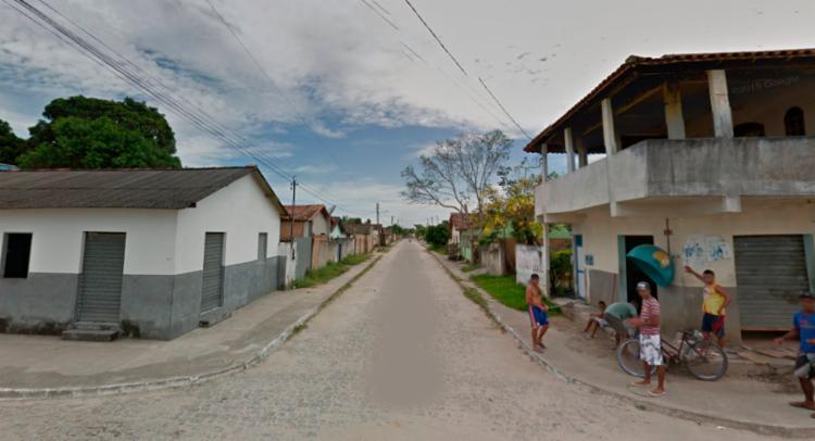 A polícia suspeita que os crimes foram realizados por homens em uma moto - Foto: Reprodução   Google Street View