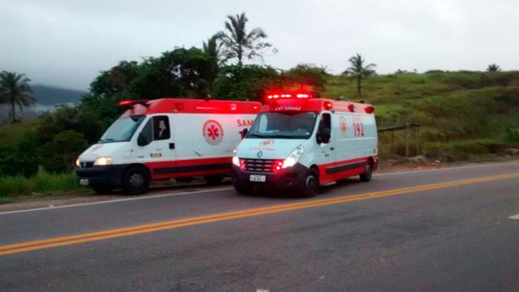 Duas equipes do Samu socorreram os feridos para o hospital de Eunápolis - Foto: Reprodução   Radar 64