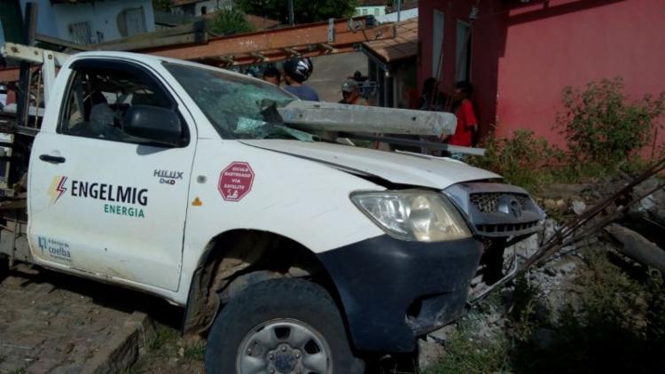 Acidente aconteceu após carro perder os freios - Foto: Reprodução   Rastro101