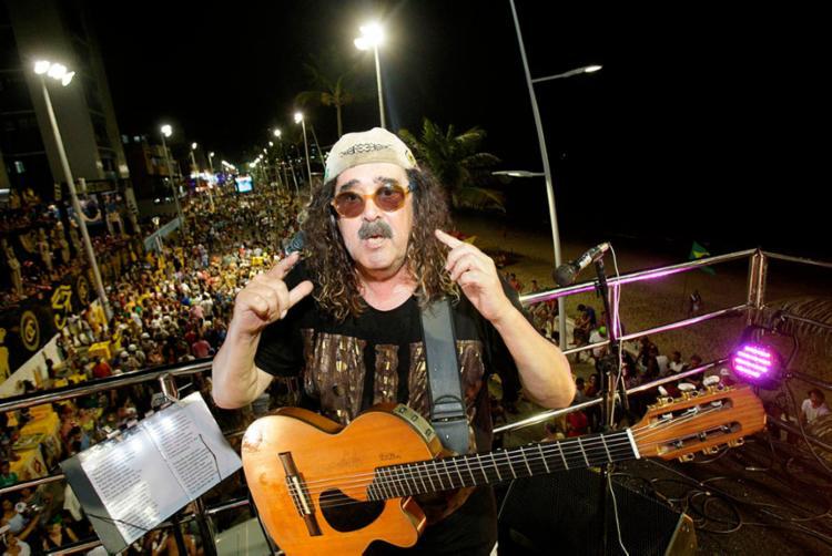 Uma das principais atrações do carnaval de Salvador, Moraes Moreira faz ensaio para a folia - Foto: Margarida Neide | Ag. A TARDE | 28.02.2017