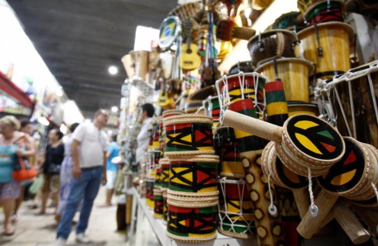 A ação busca facilitar o escoamento da produção de aproximadamente 13 mil artesãos - Foto: Joá Souza | Ag. A TARDE | 20/09/2016