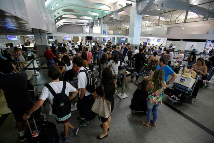 Aeroporto de Salvador tem movimentação de 644 mil pessoa - Foto: Raul Spinassé | Ag. A TARDE